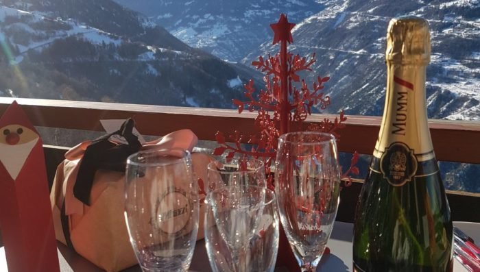 Valais English Club – Christmas potluck dinner Sat 15th December